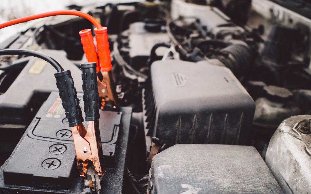 Autó akkumulátor töltése – 10 tipp, hogy csináld helyesen!